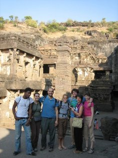 SU students in India