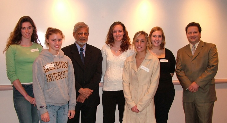 Students from Deans' Distinguished Freshmen Program