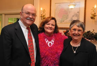 Dr. Peter Jackson, SU President Janet Dudley-Esbach and Judy Jackson