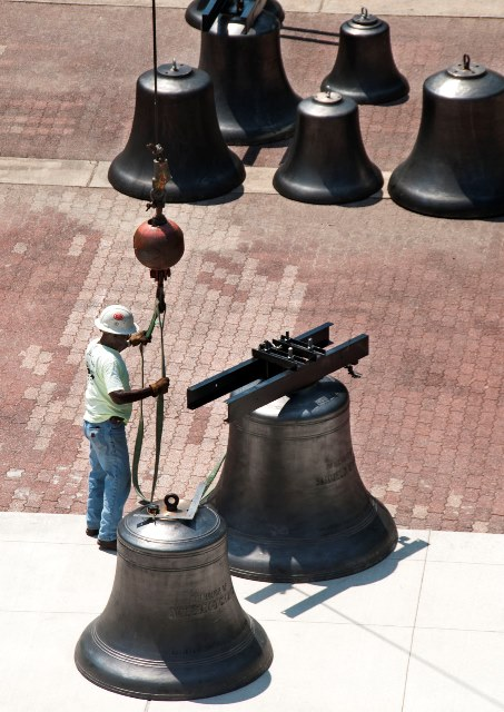 Carillon bells installation